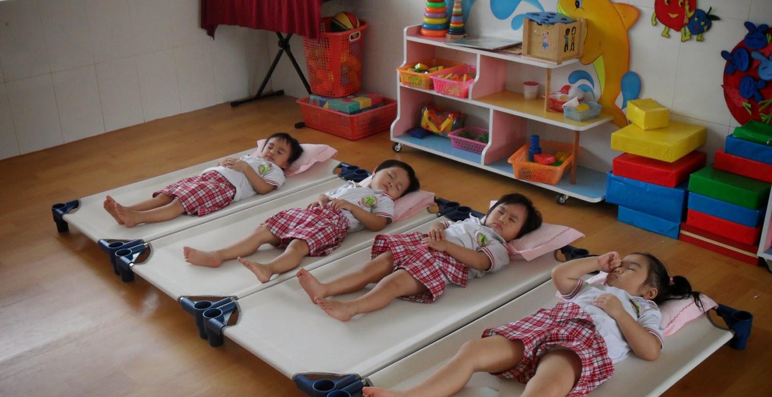 lựa chọn giường ngủ mầm non cho bé